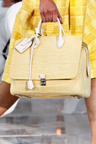 Необычная прозрачная сумка луи виттон